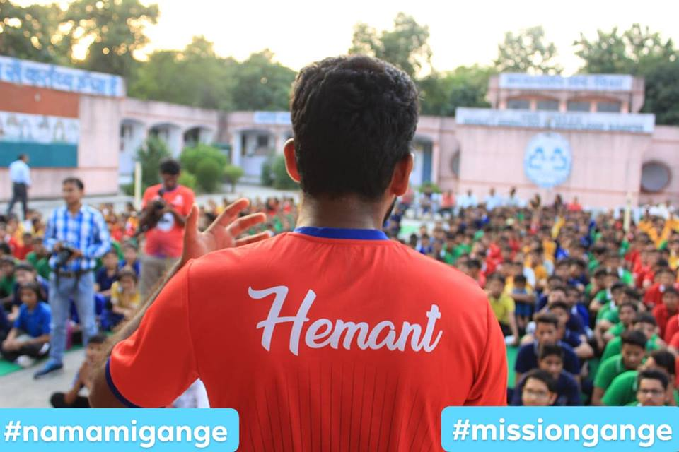 Mission Gange is not just about cleaning drives, it is about having a long lasting impact. We want this country to shift gears and lead as an example for the whole world.; Location : Haridwar; Photo by: